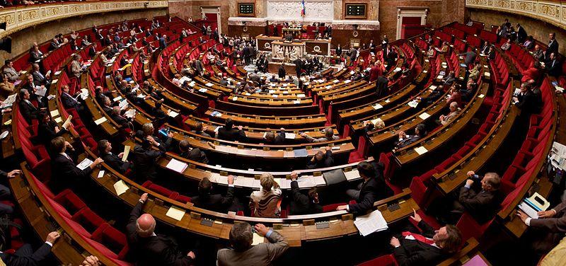800px-Panorama_de_l_hemicyle_de_l_assemblee_nationale